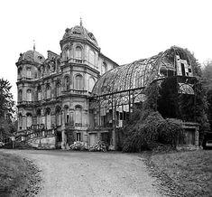 Château d'Elbeuf près de Rouen.. construit vers1840 pour l'industriel Théodore Chennevière et démoli en 1974