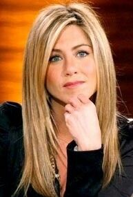 Jennifer Aniston - Perfect hair since forever. Jennifer Aniston Long Hair, Jenifer Aniston, Jennifer Aniston Style, Jennifer Aniston Hairstyles, Hair Styles 2016, Long Hair Styles, Medium Blonde Hair, Justin Theroux, Corte Y Color
