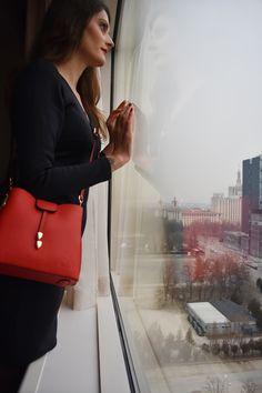 Mae shoulder bag is designed with understated hardware for a minimalist take on the timeless silhouette. Leather Shoulder Bag, Shoulder Strap, Red Tote Bag, Pebbled Leather, Minimalist, Hardware, Silhouette, Bags, Design