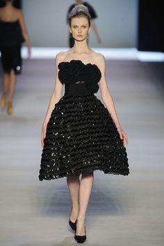 Giambattista Valli Spring 2009 Ready-to-Wear Fashion Show - Kamila Filipcikova