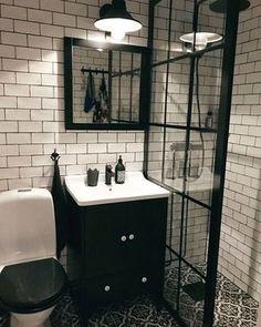 70 New Ideas For Small Farm House Bathroom Pictures Bathroom Shower Panels, Tiny House Bathroom, Diy Bathroom Decor, Bathroom Storage, Small Bathroom, Master Bathroom, Bathroom Wall, Bathroom Ideas, Bathroom Sinks