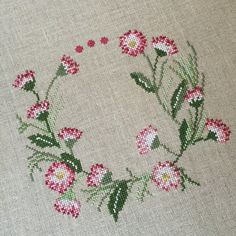 This Pin was discovered by FAD Cross Stitch Geometric, Easy Cross Stitch Patterns, Cross Stitch Heart, Cross Stitch Cards, Simple Cross Stitch, Cross Stitch Borders, Cross Stitch Flowers, Cross Stitch Kits, Cross Stitch Designs