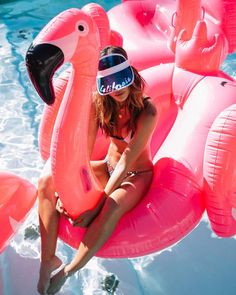 Pretty Pool Floats - Summer fun in the sun with these fun floaties!