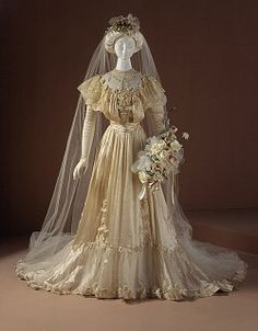 Consuelo Vanderbilt's wedding gown from her wedding to the Duke Of Marlborough November 6, 1895.  Looks beautiful, but a bit uncomfortable