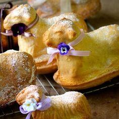 Ihr möchtet ein Osterlamm backen? Wir verraten euch, wie ihr die süße Leckerei ganz einfach Zuhause zaubert!