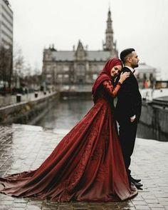 Ideas Wedding Dresses Hijab Indonesia For 2019 Muslimah Wedding Dress, Muslim Wedding Dresses, Muslim Brides, Bridal Dresses, Muslim Wedding Photos, Wedding Poses, Wedding Photoshoot, Wedding Couples, Wedding Bride