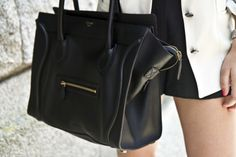birthday want- Celine black luggage tote Celine Tote, Celine Handbags, Celine Luggage, Me Adora, Body Picture, Picture Link, Fashion Gallery, Beautiful Bags, Bag Accessories