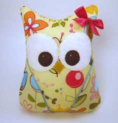 Small Plush Owl / I Sew Lucky/ party favor by aprilfoss on Etsy, $18.00