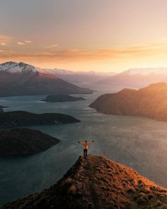 #mthrworld: Roys Peak New Zealand by: @matthewhahnel Visit us at…