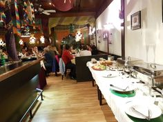 Whether you're looking for a quick meal or a fine dine restaurant in Zurich, this popular restaurant has it all. If you are in the mood for some delicious Indian Flavour of India is just the perfect place for that. Cultural Experience, Zurich, Indian Recipes, Quick Meals, Fine Dining, Chefs, Perfect Place, Authenticity
