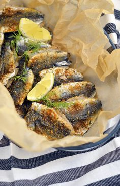Fish Recipes, Great Recipes, Spanakopita, Fish And Seafood, Nom Nom, Food And Drink, Yummy Food, Lunch, Meals