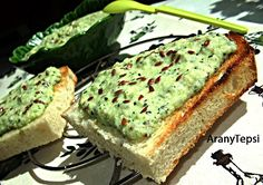 Hungarain 'courgette pate', will try with soft cheese instead of sour cream Healthy Fats Foods, Fat Foods, Healthy Snacks, Diet Recipes, Vegan Recipes, Cooking Recipes, Vegan Food, Avocado Toast, Food And Drink