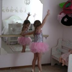 Ballerina Mirror and Barre DIY {Kids Room Accessories} - Tip Junkie