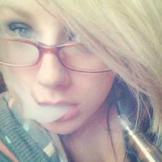 Girls Who Vape  www.nitrovapes.com #vape #vaping #eliquid #ejuice