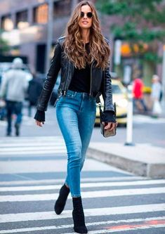 These sock boots are perfect fall boots! black jacket jeans black boots These sock boots are perfect fall boots! Mode Outfits, Fashion Outfits, Womens Fashion, Fashion Models, Jeans Fashion, Fashion Clothes, Ladies Outfits, Fashion Boots, Latest Fashion