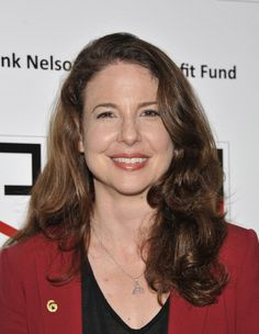 "We have another 6 spotting! Actress Robin Weigert of the television show ""Chasing The Hill,"" proudly supports our veterans and has joined the Got Your 6 campaign.    Who would you love to see in a 6 pin?"