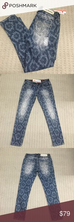 NEW! Rock Revival Lydia Lace cropped skinny jean Super cute, this cut just doesn't fit my body shape. Rock Revival Jeans Ankle & Cropped