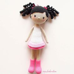 This is my new cutie!  Pattern by La Crocheteria! Have a lovely evening my friends!  #crochet #crochetdoll #crochetart #crochetaddict #crochetlove #crochetartist #amigurumiaddict #amigurumidoll #amigurumi #instacrochet #crochettop #crochettoy #ganchillo #dollstagram #dollmaker #handmadewithlove #customdoll