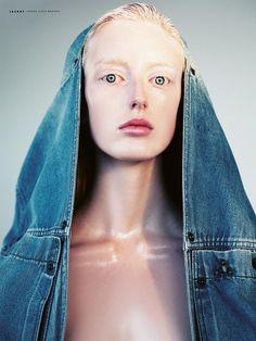Model/Make up