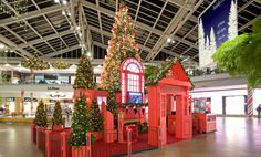 Commercial Property Seasonal, Holiday Decor | Shopping Centers | Center Stage Productions
