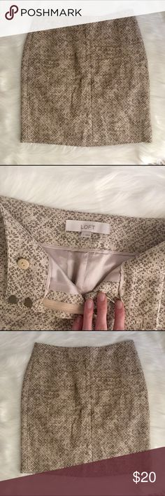 """LOFT Linen Patterned Skirt - Sz 2 Classy neutral linen skirt from LOFT in EUC! 18"""" long and fully lined. Lightweight and comfortable, this piece is a versatile summer staple! Shell 100% linen; lining 100% acetate. 2 back pockets. Questions welcome! LOFT Skirts"""