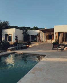 decor ideas-luxe-interior design-home-decor-living Ibiza is calling our name on this chilly winter day. Wheres your favorite place to get decor inspired? via Ibiza Villa Dream Home Design, My Dream Home, House Design, Garden Design, Style At Home, House Goals, Pool Designs, Home Fashion, Exterior Design