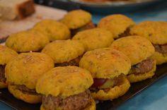 Minis hamburguesas de soja y verduras con pan de zanahoria