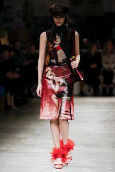 #Prada  #fashion  #Koshchenets    Prada Fall 2017 Ready-to-Wear Collection Photos - Vogue