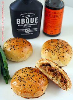 Auch als Cha Sio Bao bekannt! Meine Version wird nicht gedämpft sondern im Ofen gebacken! Die Füllung ist absolut genial!