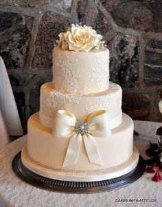 Weeding Cakes Wedding Cakes Photos on WeddingWire wedding Cake & Desserts Wedding Cake Photos, White Wedding Cakes, Elegant Wedding Cakes, Beautiful Wedding Cakes, Gorgeous Cakes, Pretty Cakes, Cake Wedding, Trendy Wedding, Vintage Wedding Cakes
