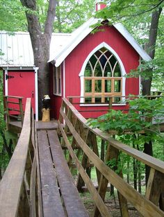 treehouse masters - love the window.