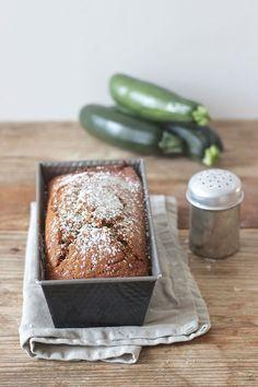 Saftiger Zucchini Nuss Kuchen nach einem Rezept von Sweets and Lifestyle Zucchini, Cooking, Food Dinners, Sweden