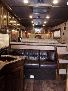 2015 Platinum Coach 4 Horse 10' Short Wall Horse Trailer | Horse Trailers and Living Quarter Trailers for Sale in Jarrell TX