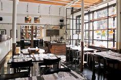 'Gusto prima sala pizzeria Pizzeria Piazza Augusto Imperatore 9  Telefono: +39 06. 3226273  Email: eventi@gusto.it  Cucina e Forno: 12:00 - 15:30 / 19:00 - 01:00 Brunch (sab - dom): 12:00 - 16:00