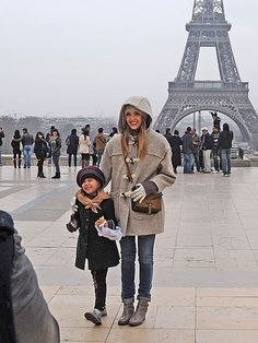 While in Paris for Fashion Week, Jessica and her stylish mini me Honor sightsee at the Eiffel Tower.