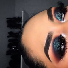 Dark blue eye makeup 1 Top Ideas To Try Recipes, Hairstyles blue makeup recipes - Makeup Recipes Dark Makeup, Blue Eye Makeup, Glam Makeup, Pretty Makeup, Love Makeup, Skin Makeup, Makeup Inspo, Makeup Inspiration, Beauty Makeup
