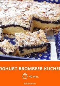 Joghurt-Brombeer-Kuchen - smarter - Zeit: 40 Min. | eatsmarter.de Pie Recipes, Dessert Recipes, Desserts, Keks Dessert, Blackberry Cake, Homemade Cakes, Cakes And More, Yogurt, Cravings
