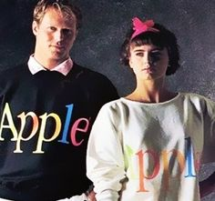 Apple Clothes collection from the 80's    Let's get a look on :  http://www.etvonweb.be/26862-kitsch-les-fringues-apple-des-annees80