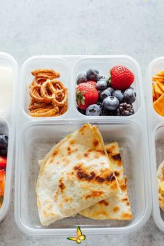 Healthy Vegan Back to School Lunchbox Ideas - NeuroticMommy Healthy Vegan Back to School Lunchbox Ideas - These incredibly easy vegan lunches are perfect for both kids and adults alike! Making these will save you time, nourish you and your children all while being fun and delicious! NeuroticMommy.com #vegan #backtoschool<br> *Recipe comes with video tutorial (see above)* These incredibly easy vegan lunches are perfect for both kids and adults alike! Making these will save you time, nourish… Easy Vegan Lunch, Vegan Lunches, Healthy Lunches For Kids, Vegan Meals, Healthy Meals, Lunchbox Kids, School Lunch Box, Vegan Lunch For School, School Lunches