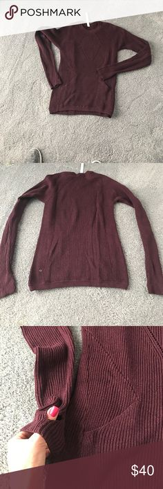 Lululemon sweater Great sweater. Worn once and dry cleaned. Cute little thumb holes and front pockets lululemon athletica Sweaters Crew & Scoop Necks