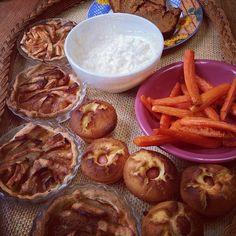 mememoniq : Petit plateau TV pour ce soir :frites de carottes sauce muscade, tartelettes au pommes et caramel, pain aux patates douces épicé et cannelle, muffin au maïs à la saucisse #cuisine #food #homemade #faitmaison #yummy #cooking #eating #french #foodpic #foodgasm #instafood #instagood