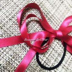 ハンドメイド ロングリボンヘアゴム ワインレッド&ネイビー  http://s.ameblo.jp/bouquet-de-coeur/  Handmade satin long ribbon hair accessory Wine red and navy