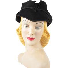 04be1e483dd79 Vintage 1930s Art Deco Winged Black Felt Hat Vintage Mannequin
