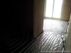 Blog MojaBudowa.pl - internetowy dziennik budowy, katalog firm budowlanych Bungalow House Design, 3 Bedroom House, Dream House Plans, Hardwood Floors, House Ideas, Houses, Photos, Fuller House, Wood Floor Tiles