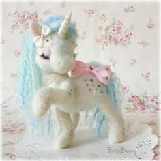 By BatnBunny.  Have a look in Bat n'Bunny's tag folder to see all her pretty angles.  If you like my craft, don't forget to follow  #needlefelting #needlefelt #handmade #unicorn #ooak #horse #pony #mylittlepony #cute #craft #hobby #fantasy #sparkles #glitter #pretty #floral #batnbunny #羊毛フェルト #ハンドメイド #ホビー #クラフト #うま #ユニコーン #かわいい #きれい