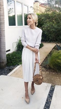 c2f410ccfb Modest outfits. Modest summer outfits. Modest spring outfits. Classy outfits.  Chic outfits