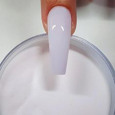 Semi-permanent varnish, false nails, patches: which manicure to choose? - My Nails Gorgeous Nails, Love Nails, Pretty Nails, S And S Nails, Acrylic Nail Powder, White Acrylic Nails, Long White Nails, White Coffin Nails, White Manicure