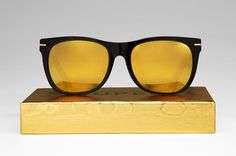 "SUPER는 최근""SUPER moves to""라고 불리는 새로운 프로젝트를 시작했다.   이 여행 프로젝트는 SUPER 선글라스의 한정판들을 맡아줄 전 세계의 셀렉트 샵들에서 진행된다.   SUPER의 여행 프로젝트는 밀란을 떠나 LA의 Fred Segal의 Conveyor에서 시작될 것이다.   이 여행은 독점적인 한정 상품들뿐 아니라 브랜드의 미학과 독립성의 직접적인 표현까지,  SUPER 아이웨어의 가장 완벽한 선택을 뽐낼 것이다.   그러나 그 샵은 10월 17일까지 11월 17일까지 한정적으로 운영되므로 서둘러야 할 것이다.  More Info.. Click the Photo!"