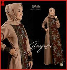 Batik Fashion, Abaya Fashion, Muslim Fashion, Women's Fashion Dresses, Dress Outfits, Kebaya Dress, Batik Kebaya, Blouse Batik, Batik Dress