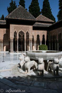 Patio de los Leones. La Alhambra, Granada. Andalucía (Spain)